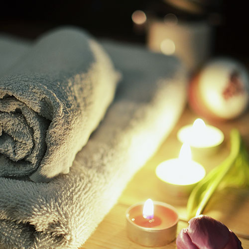 HH_Reflexology_Thornbury_love-romantic-bath-candlelight.jpg