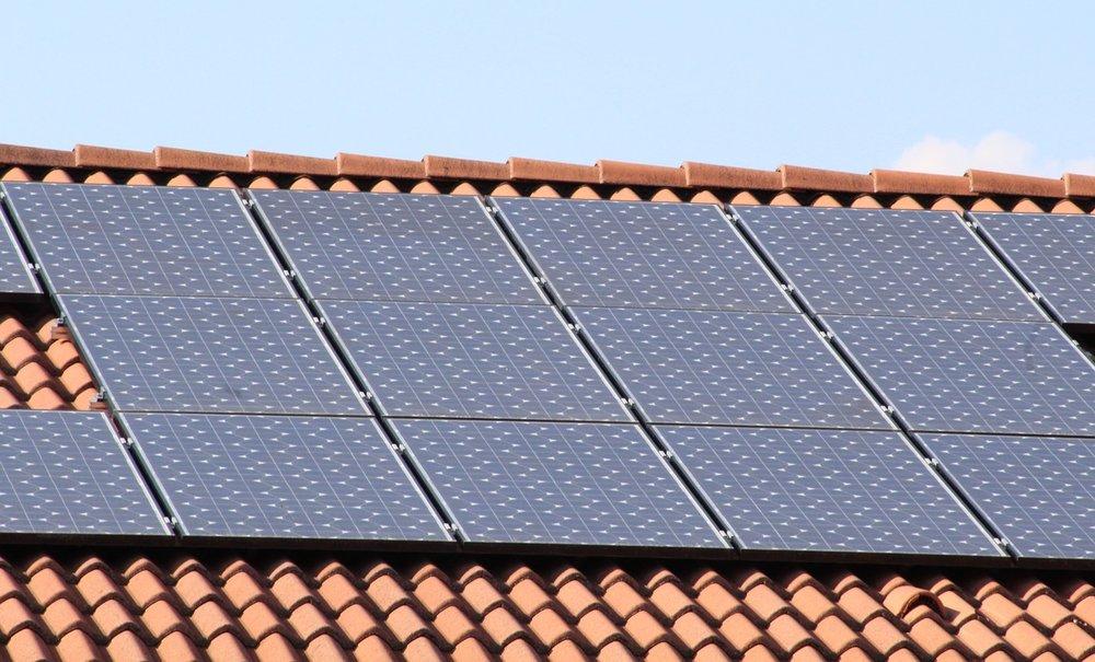 solar-panels-1273129_1280.jpg