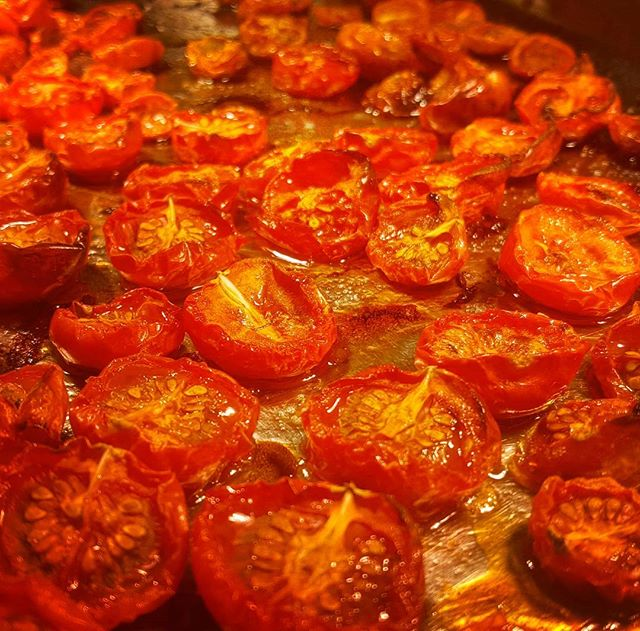 Just a few tomatoes chillin' after a morning in the oven...🍅🌅 #nicoise #tomato&chill