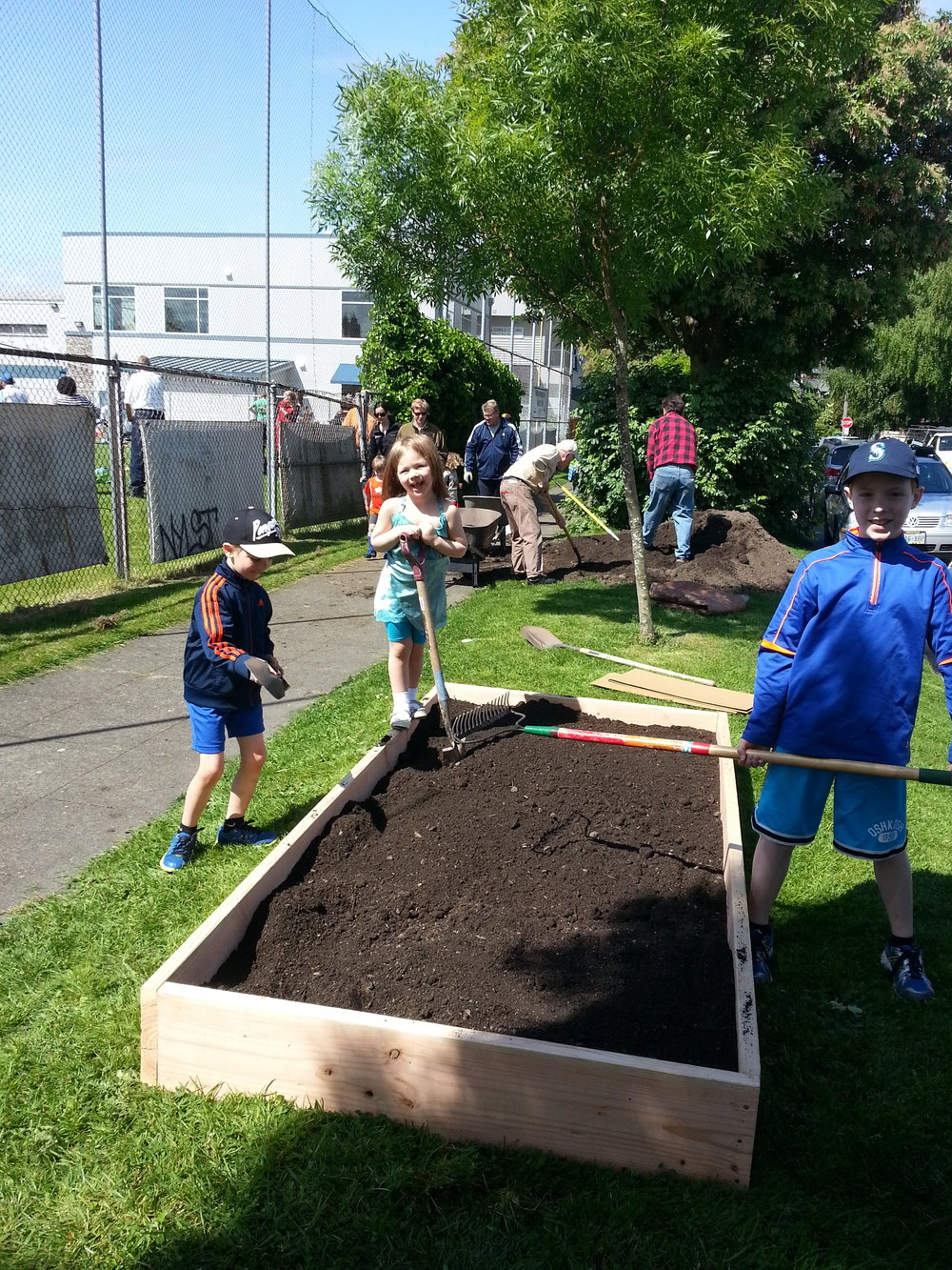 BALLARD BOYS & GIRLS CLUB EDIBLE GARDEN