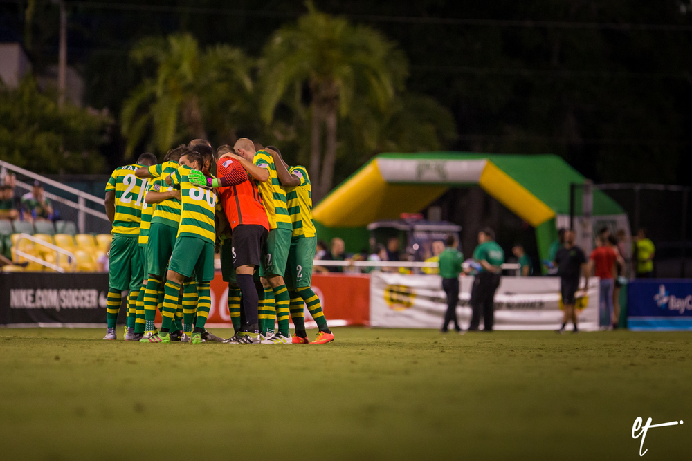 The Rowdies huddle at the start of the second half. © Eric Tillotson