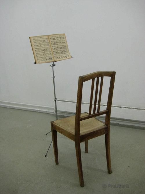 Stuhl und Noten 2010