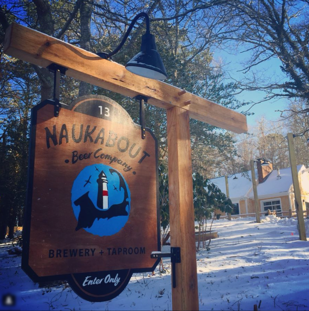 naukabout beer company - Exterior Signage System Collaboration 2017/2018I was given the opportunity to come together on this timber frame style signage project with On Point!Jesse and his team, of On Point, and I worked with Pete, of Naukabout, to design and construct a signage system that would best reflect the essence of their craft as well as display strongly in the 3 locations on the property. While taking heavy consideration into environment, we chose untreated timbers, which were then treated with many, many coats of an environmentally friendly oil and and varnish that will help withstand the elements.