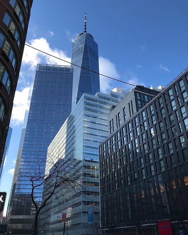 """📝 """"No basta con saber, se debe también aplicar. No es suficiente querer, se debe también hacer"""" 📷 Eduardo Suels #nyc #oneworldtradecenter #arquitectura #like4like #echogar"""
