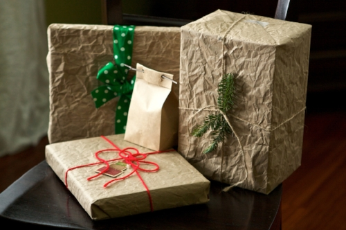 Sustainable gift wrapping inspiration. Happy holidays!