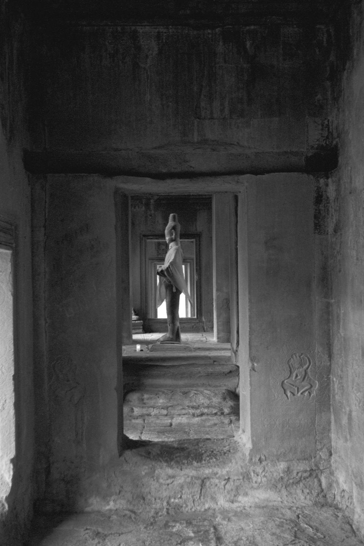 Visnu in Angkor Wat. Courtesy of SKY, 2001.