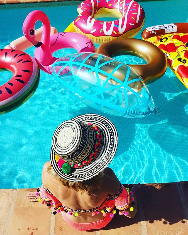 Pom poms and sun hats make for happy Saturdays 💕☀⛱ 💗@yosuzi 💗 #thehatologist #bespokehats #millinery #headpiece #hat #style #victoriawright #hatfashion #madhatter #hatsofinstagram #holiday #sunhats #yosuzi