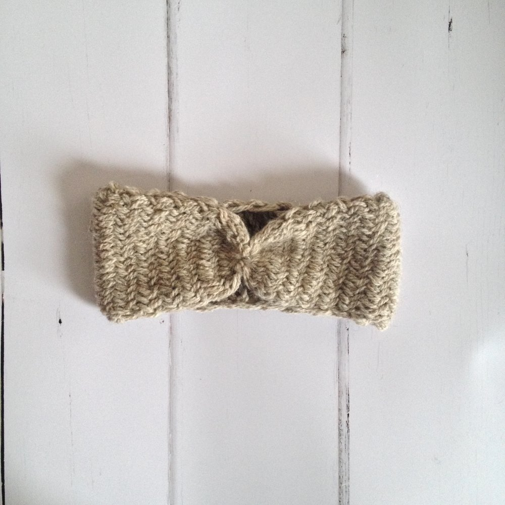 sacha-holub_visser-apella-knits_3.jpg