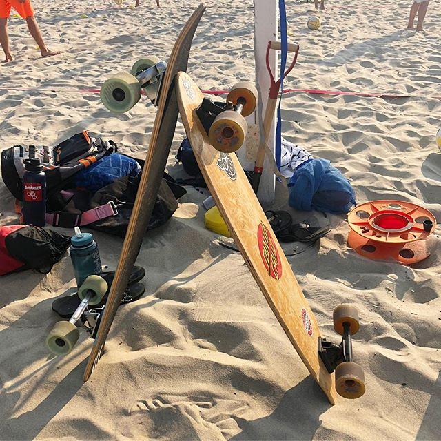 Beach life 🏖 . . . #skate #skateboard #skateboardingisfun #longboard #longboarding #spreadthestoke #california #beach #sand #sandiego #boardbabe #365boarding