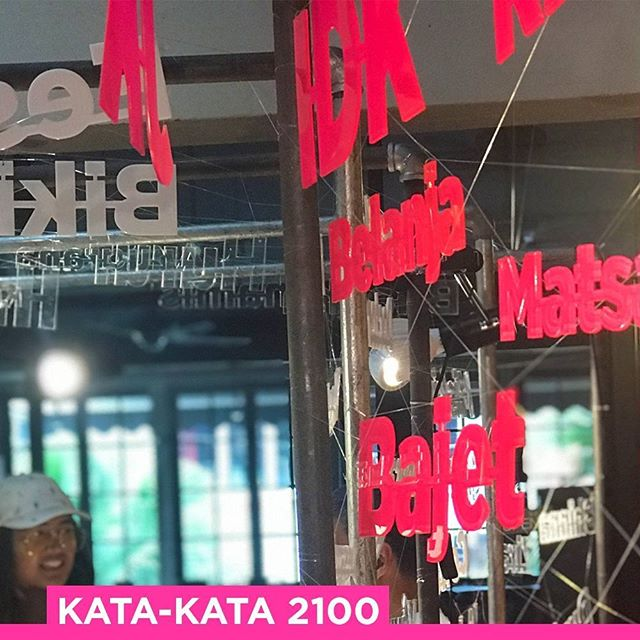 JB Arts Festival is on and #katakata2100 will be at @big_bites_cafe until the 18th of November for @jb_ifc! You have ONE MORE WEEK left to visit! 😀
