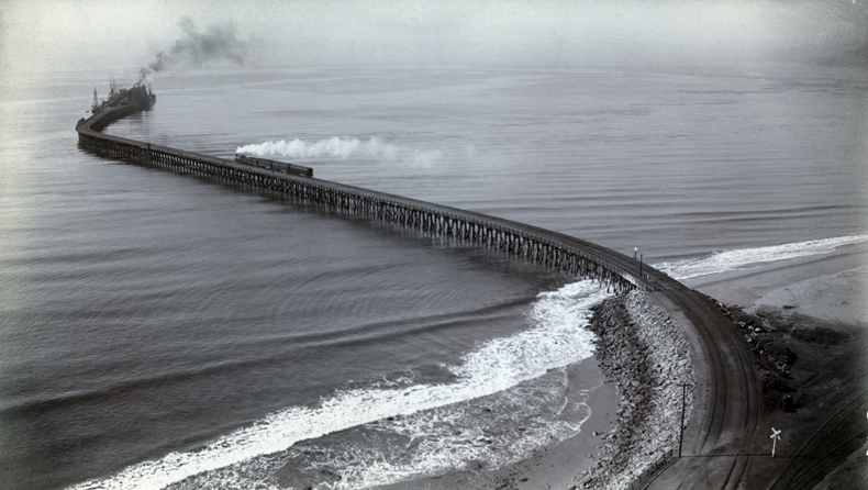 Santa Monica Long Wharf, c. 1893.    Source: Water and Power Associates
