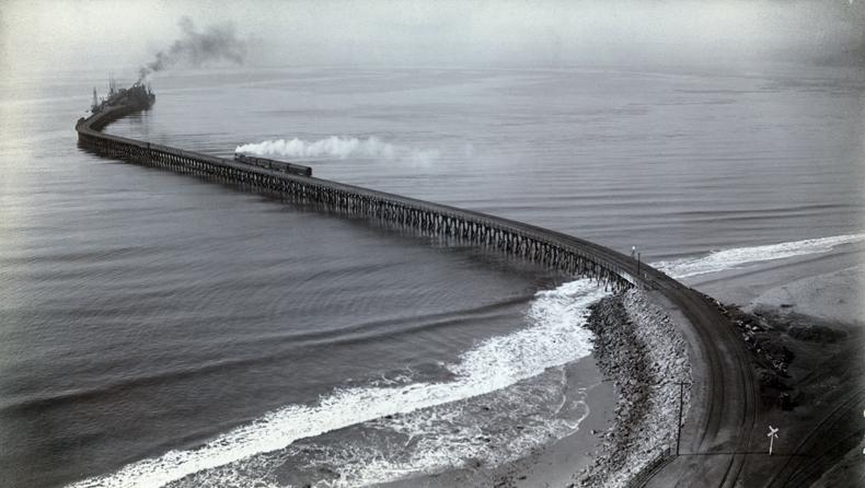 Santa Monica Long Wharf, c. 1893. Source: Water and Power Associates