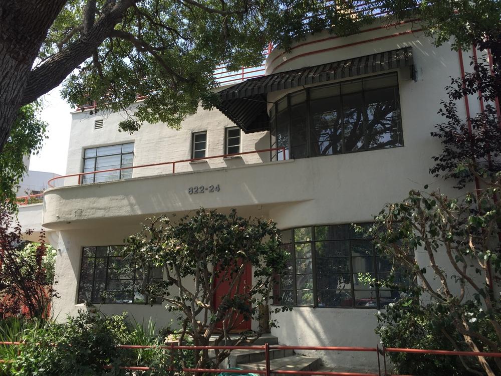 Vanity Fair Apartments (1935, Carl R. Henderson; Landmark #25), Wilmont