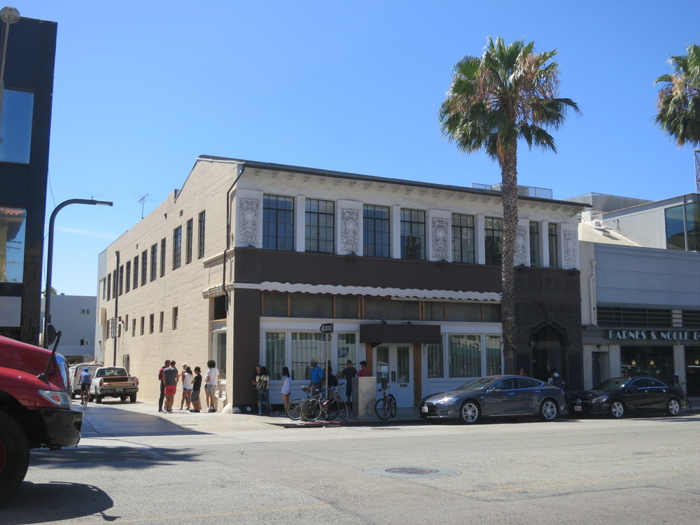1928 commercial building, downtown