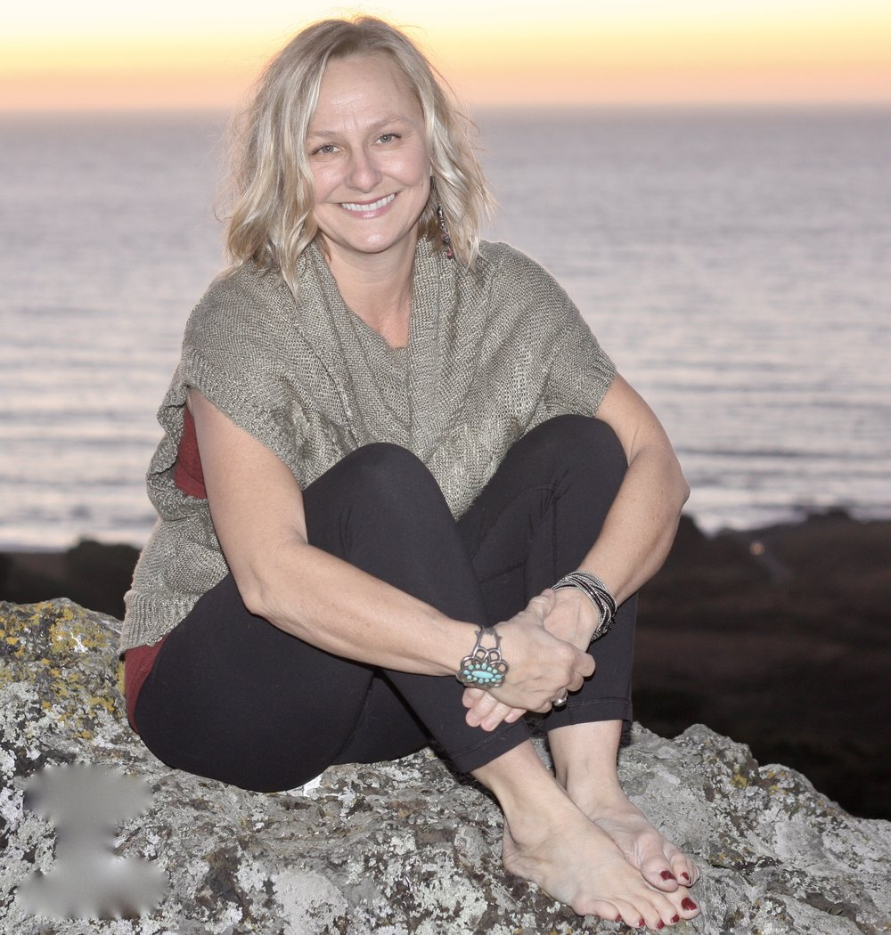 Cindy Scott-fuchs -Founder of mellow mommy, happy wife & mother of 2