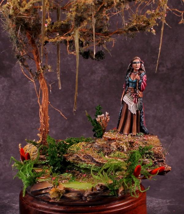 Swamp Witch Close-up Dark Sword Miniatures