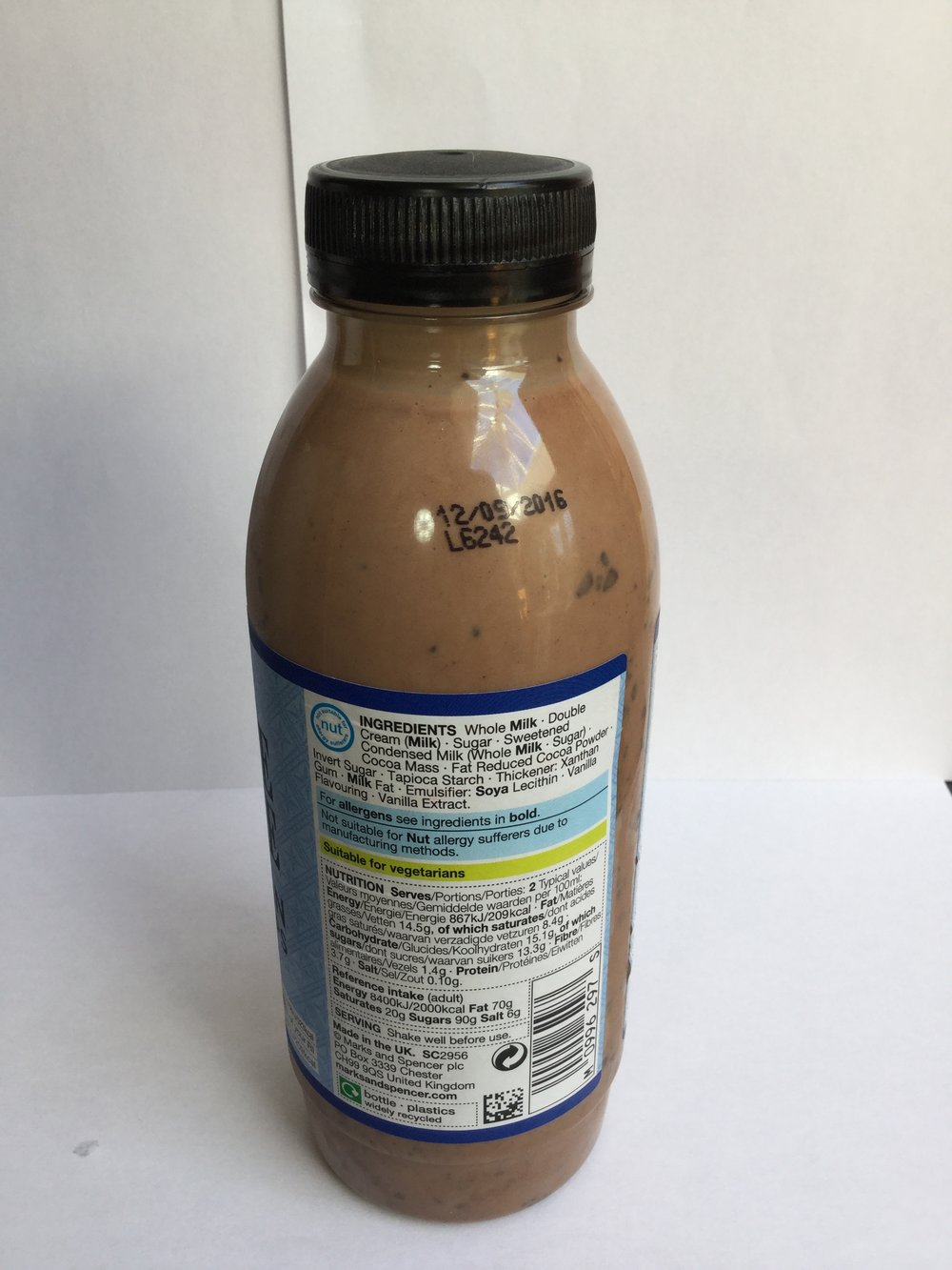 Marks & Spencer Chocolate Milkshake With Belgian Chocolate Chips Side 1