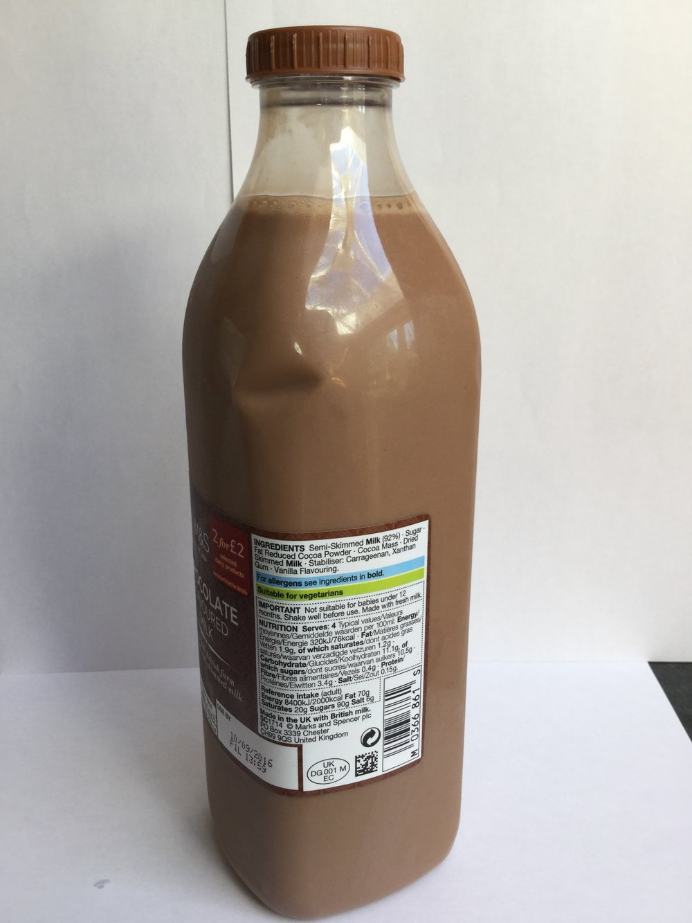 Marks & Spencer Chocolate Flavoured Milk Side 1