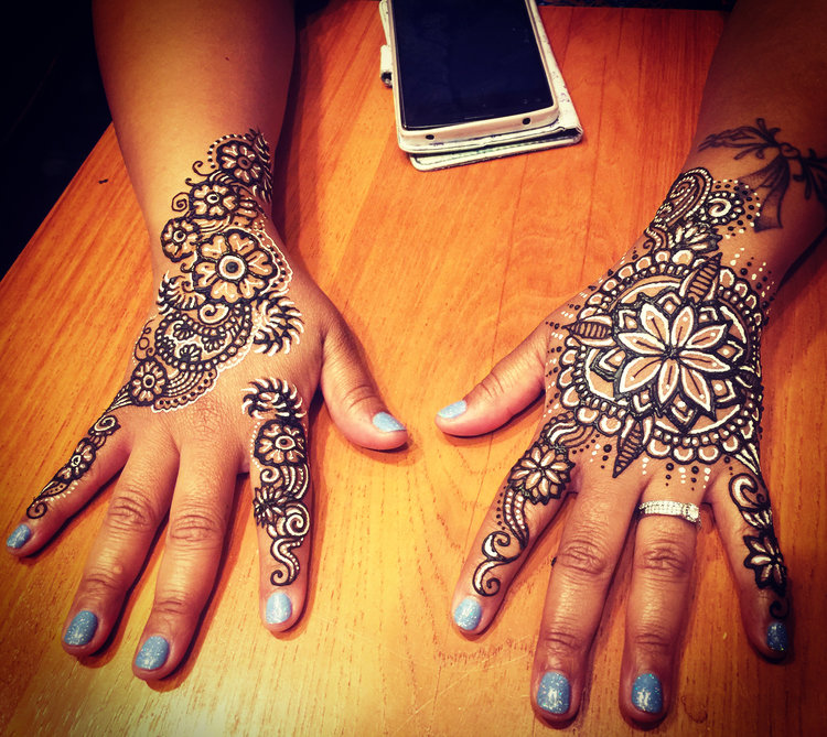 White henna and traditional henna paste.