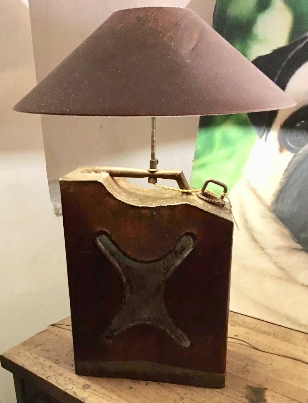 LAMPADA TANICA IN FERRO