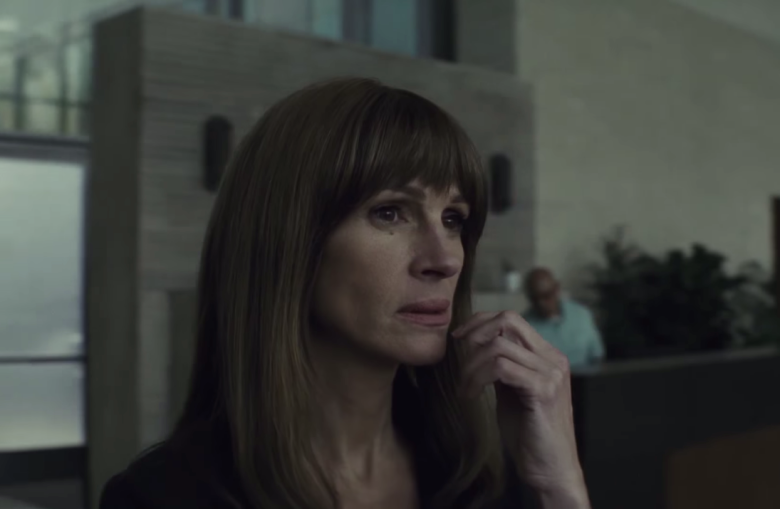 Homecoming-Trailer-Amazon-Julia-Roberts.png