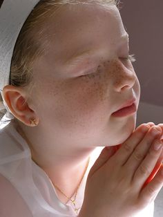8de77fe8621ec23fd2f082255011d606--praying-hands-dear-god.jpg