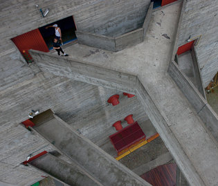 With her SESC Pompeia leisure center from 1986, the Italian-born architect Lina Bo Bardi showed the playful side of Brutalism,, with zigzagging bridges that connect a former drum factory to three tall towers.     CreditIwan Baan/   on    New York Times