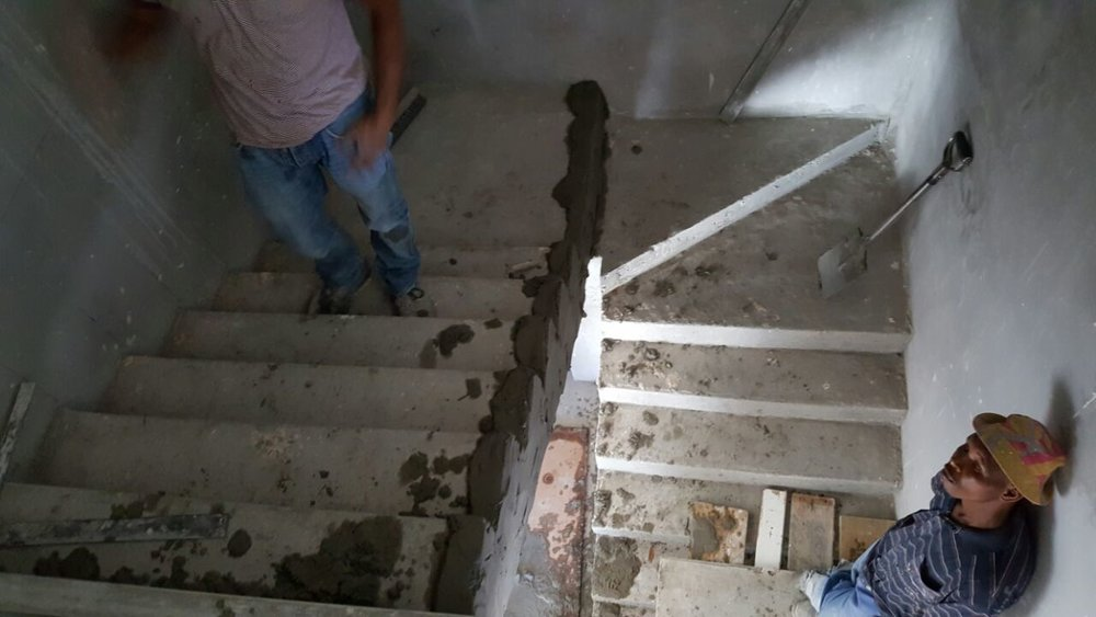 Cobute staircase plastered