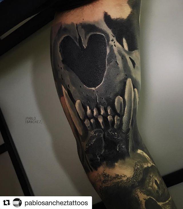 Tiguer skull!!! Tattoo realizado por @pablosancheztattoos en @noratattoocoruna !! Gracias por la confianza!! . #noratattoostudio #noratattoocoruna #noratattoocompostela #tattoo #tattoolife #thebesttattooartists #thebestspaintattooartists #skull #skulltattoo #tigerskull #realistic #realistictattoo #ink #inked #inkedup #inkedboy #tattooed #tattooedboys