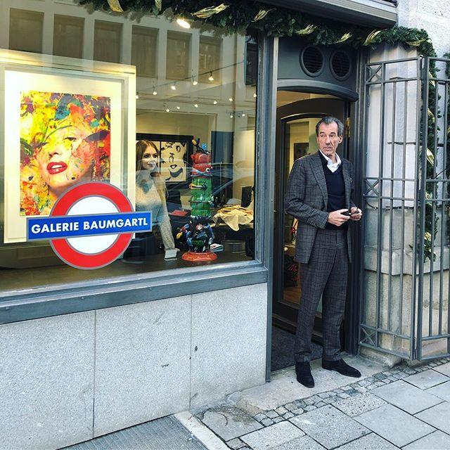 Meine Galerie erstrahlt im neuen Glanz ✨ Komm vorbei und genieße Kunst in München ☺️ . #GalerieBaumgartl #München #2019 #BayerischerHof #Kunst #Kunstwerk #Galerie #Inspiration #kunstliebe #bilder #munich #bayern #münchenblogger #münchenliebe  #germany #künstler #künstlerin #künstlerisch