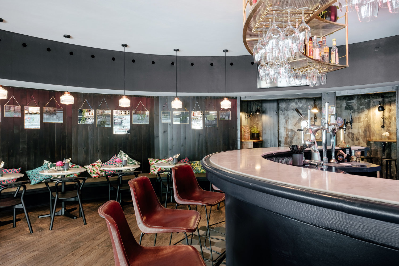 Pavillon Bar Kitchen