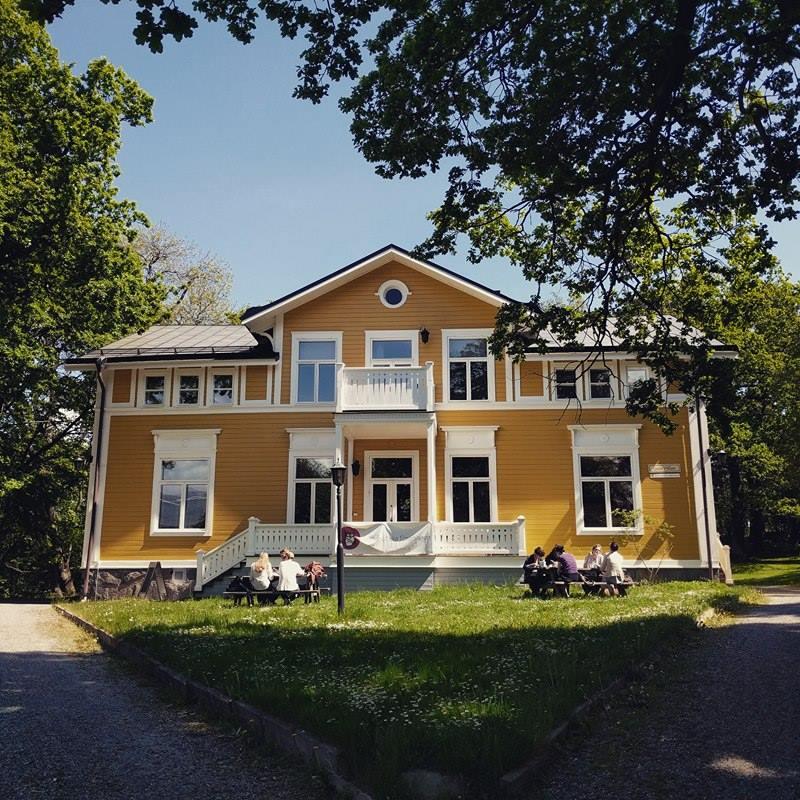 I Gula Villan, på Frescati, äger de flesta av föreningens arrangemangen rum. Där sitter även föreningens kansli.