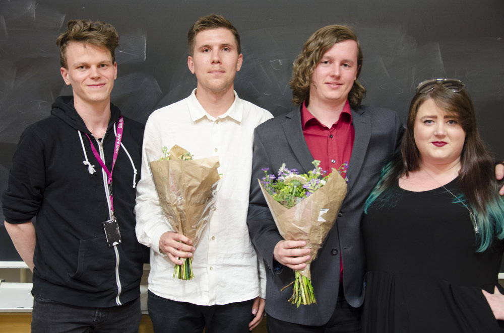 Det avgående och det tillträdande presidiet. Från vänster: Henric Södergren (avgående ordförande), Nils Bergmark (tillträdande ordförande), Anton Hjelm (tillträdande vice ordförande) och Stefanie Tagesson (avgående vice ordförande).