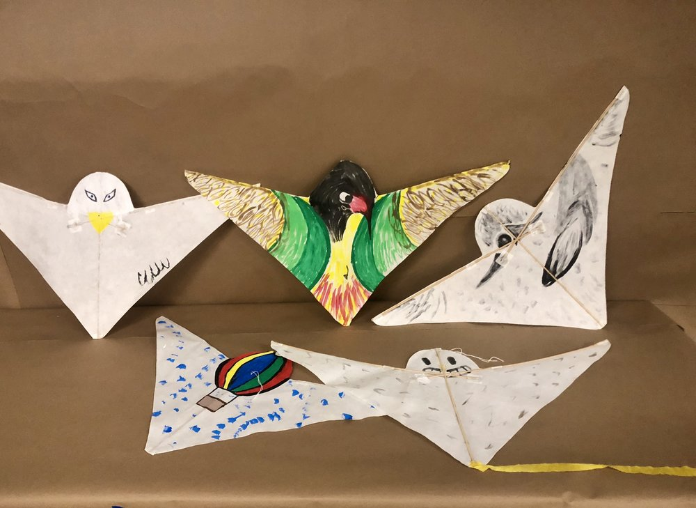 This a is bird kite designed by kite-maker Robert Brasington of Tasmania.  It flies well in a wide wind range. It is also made of Washi paper and bamboo.