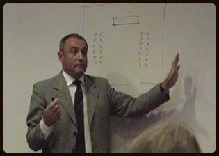 D.Manuel J. Pío Gutiérrez  , Jefe de Protocolo del Excmo. Ayuntamiento de Santa Cruz de Tenerife. Diplomado en Genealogía, Heráldica y Nobiliaria. Miembro de la Sociedad Española de Vexilología.