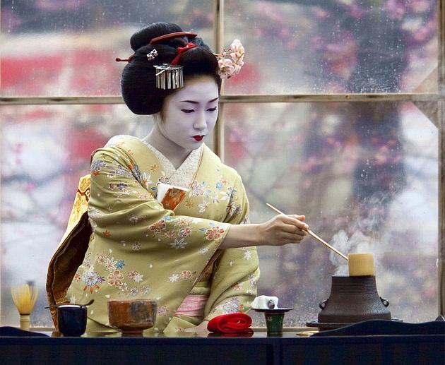CURSO DE KOBIDO - MASAJE LIFTING FACIAL JAPONÉS + TALLER DE ELABORACIÓN DE SUSHI +RITUAL JAPONÉS DE TÉ  - Comienzo martes 12 de Diciembre de 2017 - Matrícula Abierta