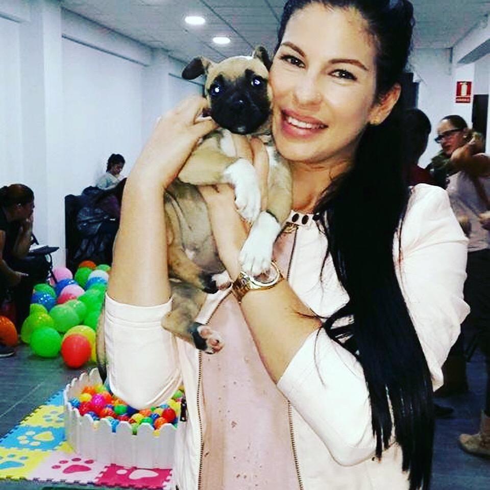 En la Puppy Party - fiesta de cachorros impartida por la veterinaria especialista en etología.