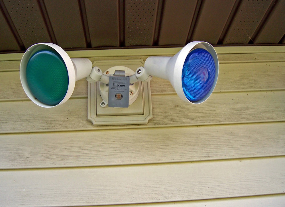 how-your-outdoor-lights-can-actually-help-burglars.jpg