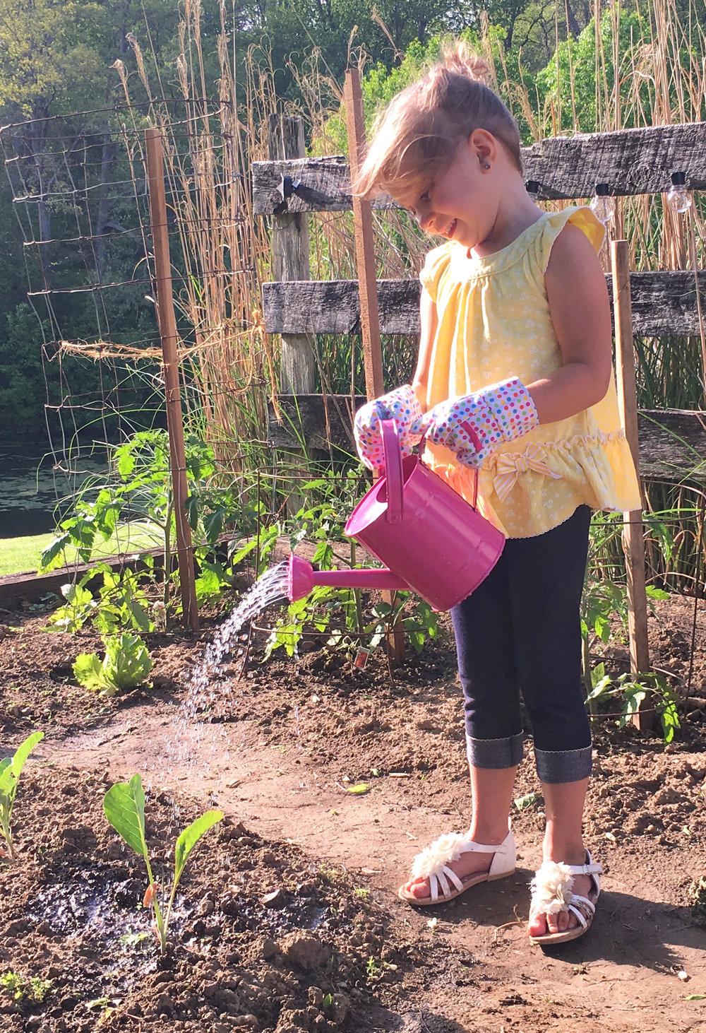 Tierra Garden Little Pals Lena Watering.png