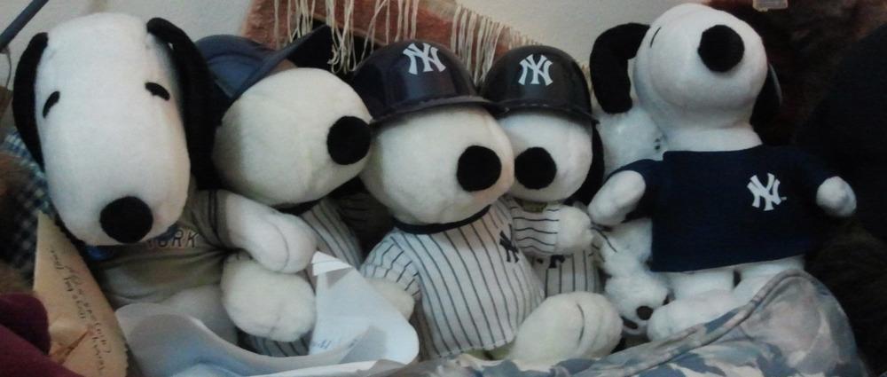 Yankees Snoopys 2011-09-20.jpg