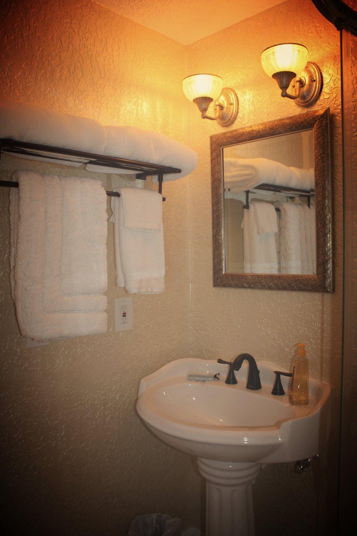Verona room has a pedestal sink