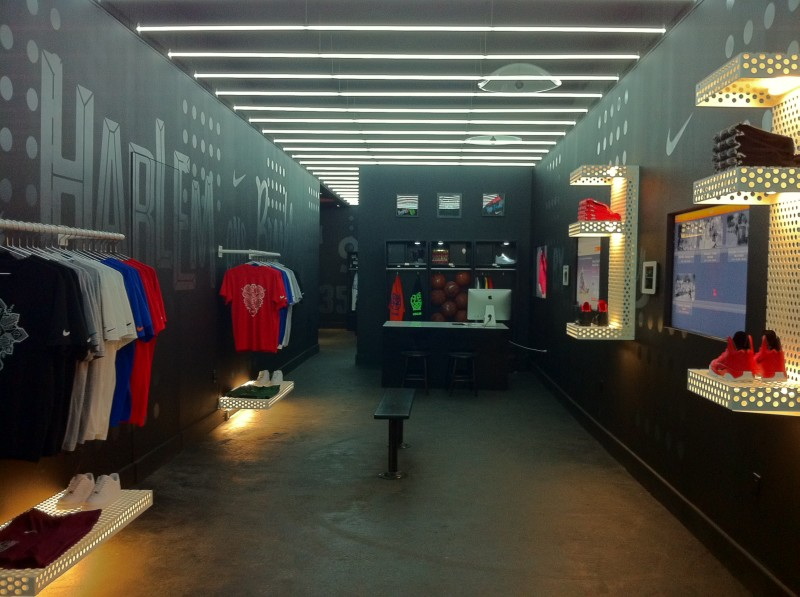 zak-hoke-NIKE-BLVD-ICE-Pop-up-Shop-800x597.jpg