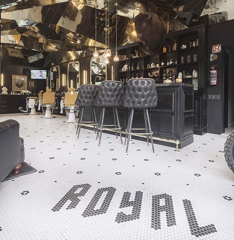 row-studio-barberia-royal-mexico-city-designboom1-818x839.jpg