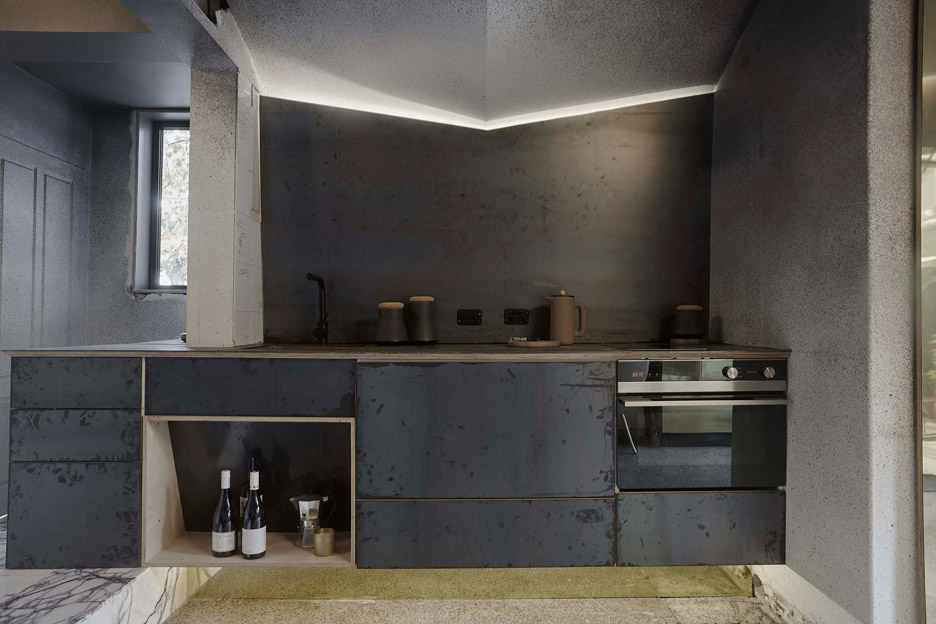 microlux-melbourne-australia-apartment-interior-design-edwards-moore_dezeen_936_2.jpg