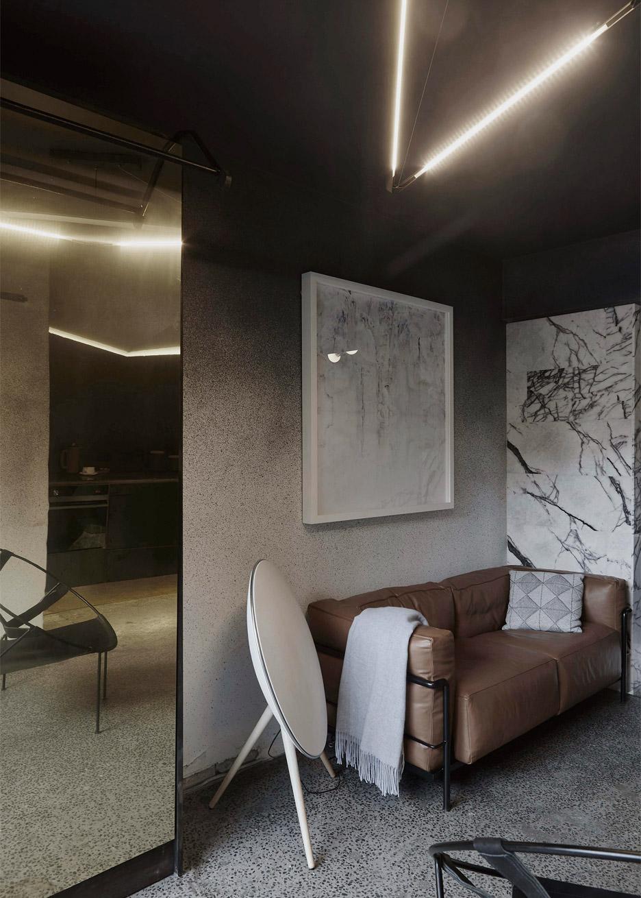 microlux-melbourne-australia-apartment-interior-design-edwards-moore_dezeen_936_5.jpg