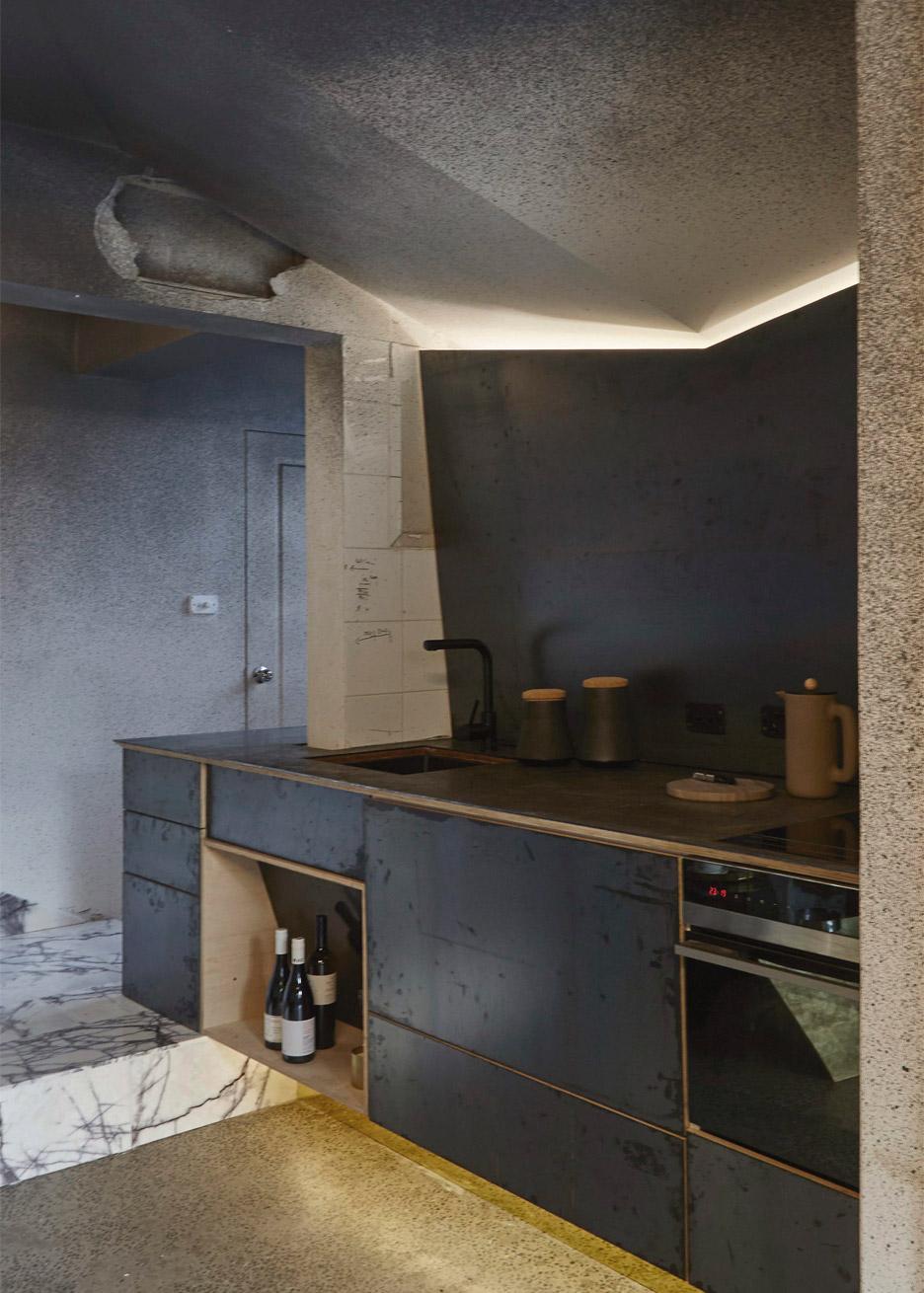 microlux-melbourne-australia-apartment-interior-design-edwards-moore_dezeen_936_1.jpg