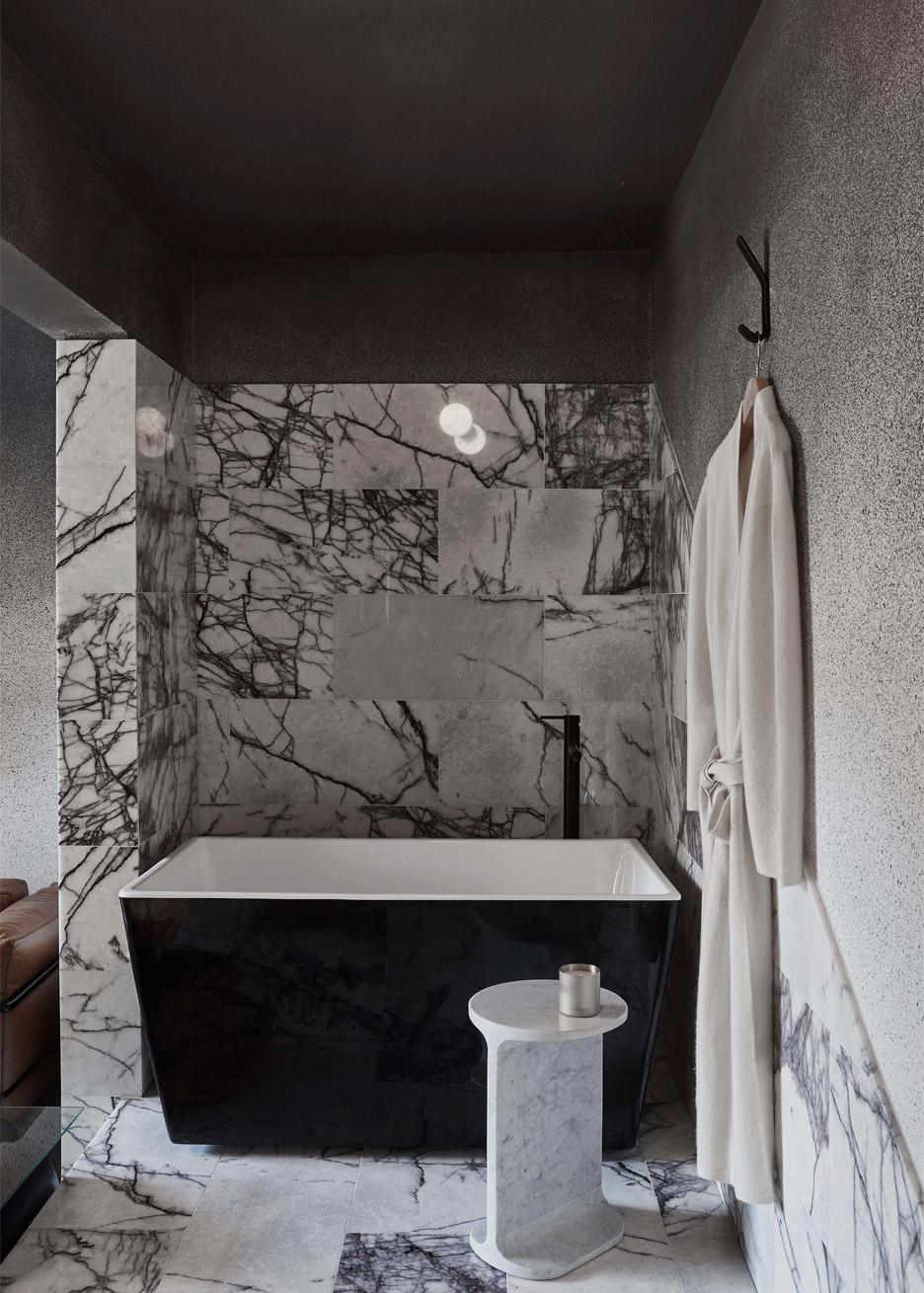 microlux-melbourne-australia-apartment-interior-design-edwards-moore_dezeen_936_9.jpg