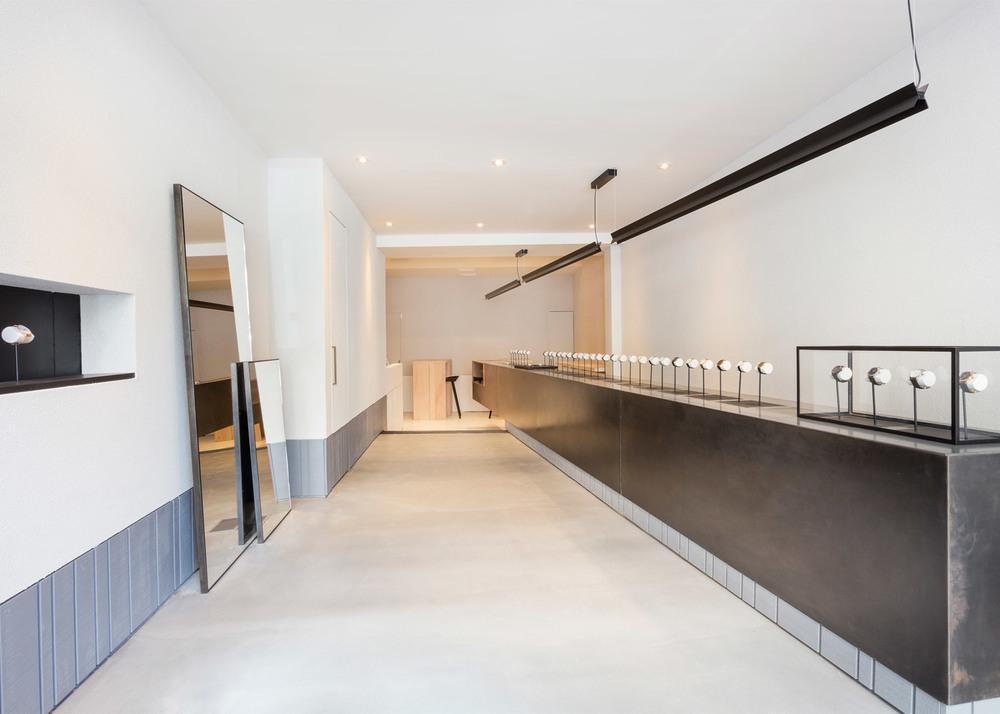 larsson-jennings-flagship-store-retail-interiors-new-york-city-usa-watches_dezeen_1568_0.jpg
