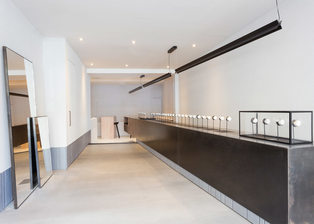 larsson-jennings-flagship-store-retail-interiors-new-york-city-usa-watches_dezeen_1568_2.jpg