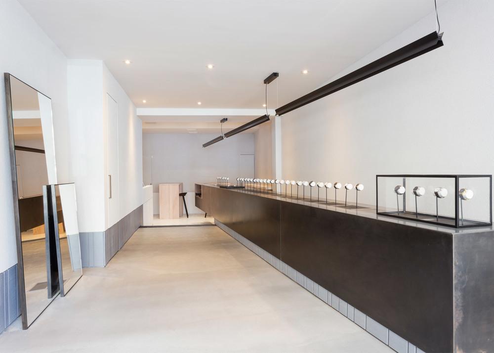 larsson-jennings-flagship-store-retail-interiors-new-york-city-usa-watches_dezeen_1568_2.jpg